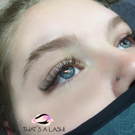 3D Soft Glam Hybrid Lash Extensions
