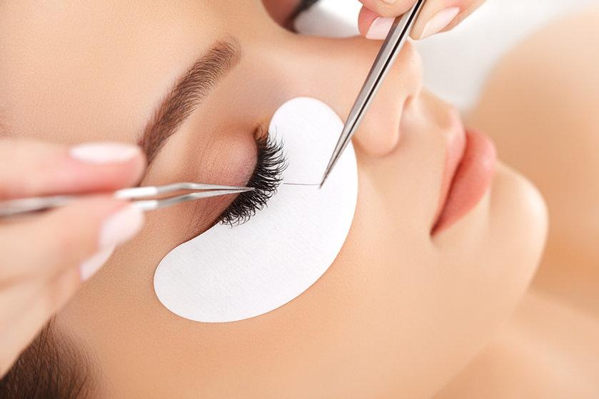 Copy of Woman Eye with Long Eyelashes_edited.jpg