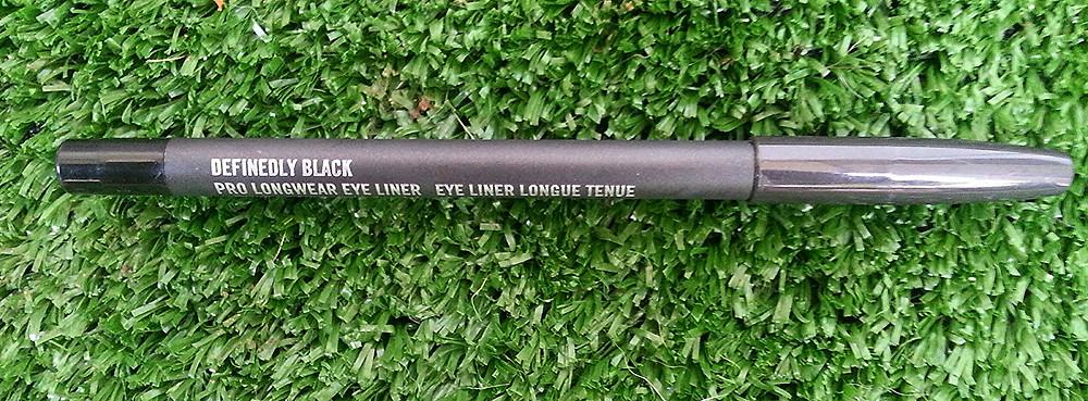 mac eye pencil6.jpg
