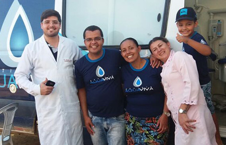 Conheça o serviço e a equipe da Van Odontológica