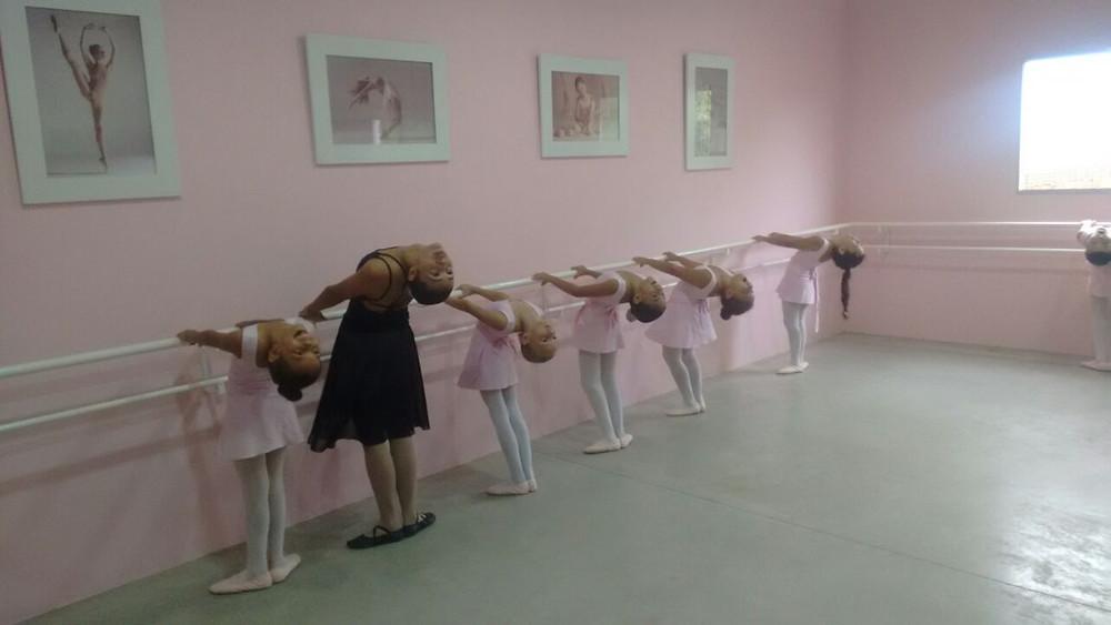 aulas-de-bale-em-acaua