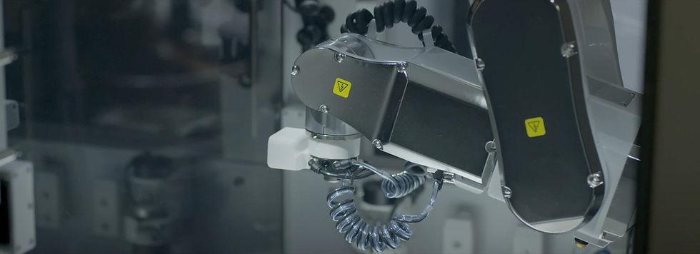 Bioprinter bioprinting with six - axis freedom
