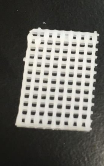 Figure 1. PCL scaffold fabricated on the BioAssemblyBot® platform using the heat-controlled tool.