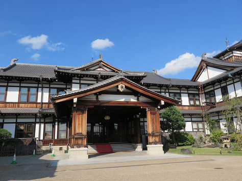 The Nara Hotel, one of the oldest hotels in Japan, is found on a hilltop of Nara City.