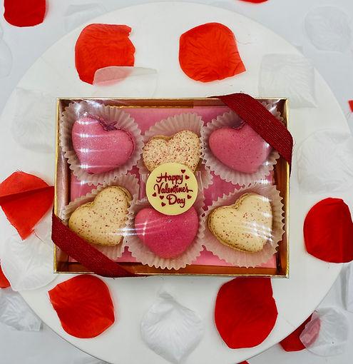 Heart Macarons Box (6pc)
