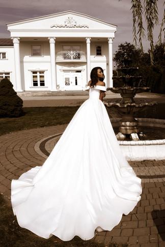 wedding-lounge-brautmode-ingelheim-brautkleider-mainz-wiesbaden-tina-valerdi-nancy-1.jpg