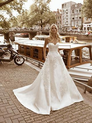wedding-lounge-brautmode-ingelheim-brautkleider-mainz-wiesbaden-modeca-finette-1.jpg