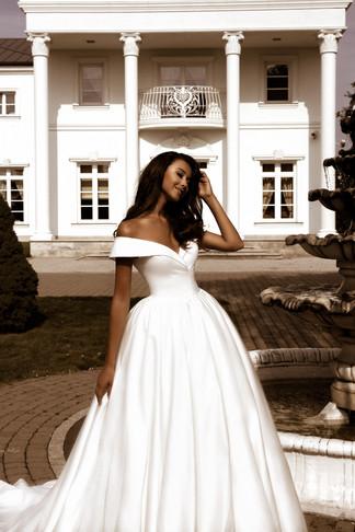 wedding-lounge-brautmode-ingelheim-brautkleider-mainz-wiesbaden-tina-valerdi-nancy-4.jpg