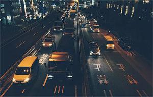 Imatge simulada de la visió a la nit amb antireflexant específic per a la conducció