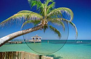 Imatge simulada d´una lent fotocromàtica aclarida a la platja