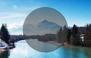 Imatge simulada de la visió amb una lent de color gris