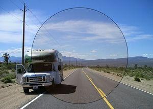 Imatge simulada de la visió amb una lent fotocromàtica aclarida