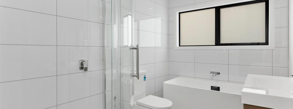 20 Okoutu lane - bathroom
