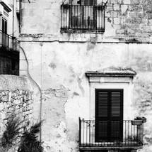 Sicilian Wall