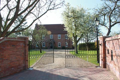 Renhold House