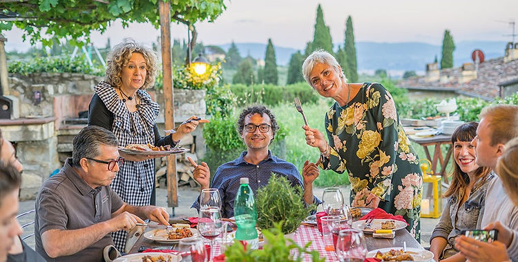 dinner-with-locals-tuscany_edited.jpg