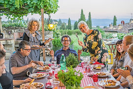 dinner-with-locals-tuscany.jpg