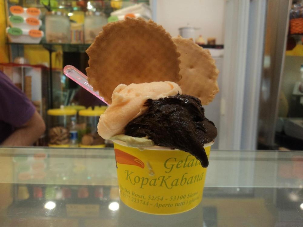 italy-gelato-cup-siena