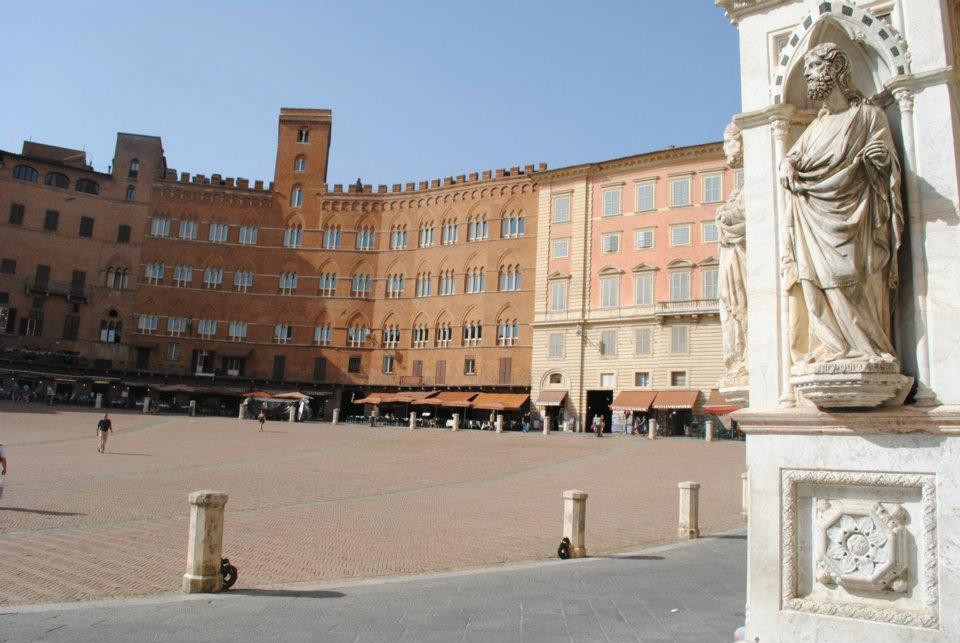 piazza-italy-siena-afternoon