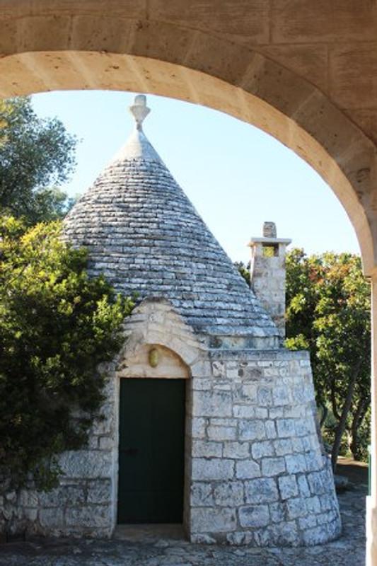 trullo home in the countryside of puglia italy