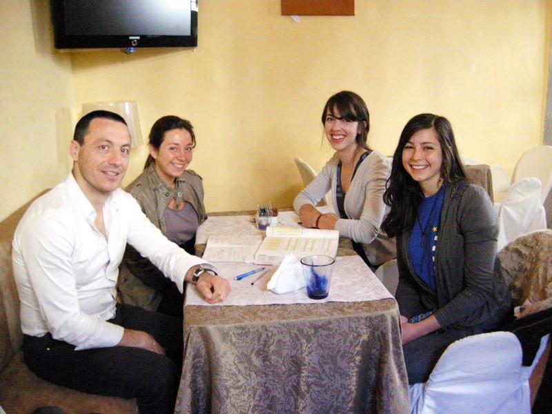 italian-students-with-teacher