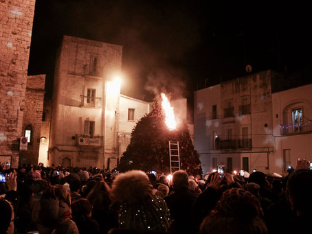 This Village in Southern Italy Goes up in Flames Every January: New Year's Traditions in Italy