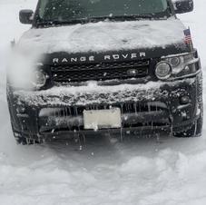 Reggie Range Rover Snow IMA .jpg