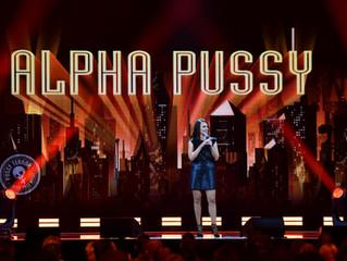"Carolin Kebekus live: ""AlphaPussy"" auf DVD und Blu-ray"