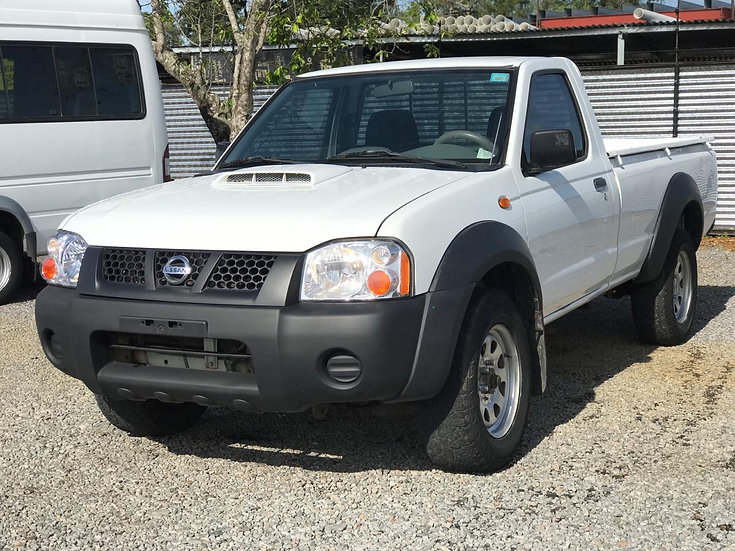 Nissan Frontier-2015-169,000 kms