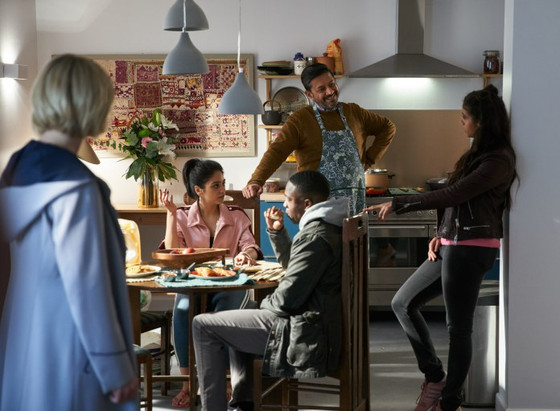 DOCTOR WHO SERIES 11 EPISODE 4 REVIEW 'ARACHNIDS IN THE UK'