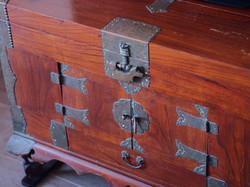 雅緻海景套房 : 中式木箱