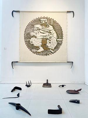 김홍주, 무제, 150x180x150, 캔버스에 유채, 농기구, 1993.jpeg