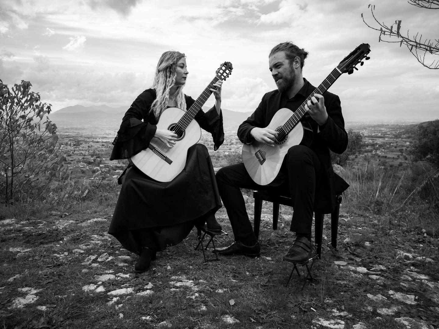 MoNo Guitar Duo Asturias bw