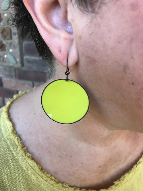 MF124 - Large Single Disk (Chartreuse)