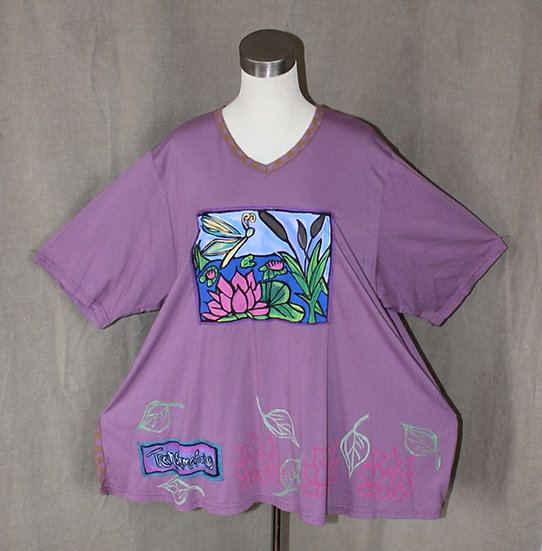 Queen Bee Tee - Large in Lilac