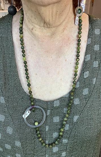 BF94 - MF Olivine Jade Vintage bead necklace - Green mix