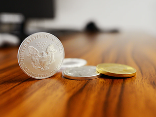 Two Sides of a Coin: Living in America as a European.