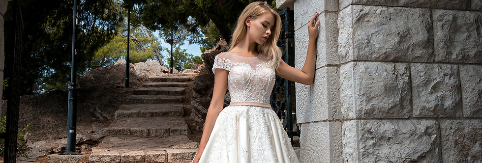 Rochia de mireasa Adelinne 18-06