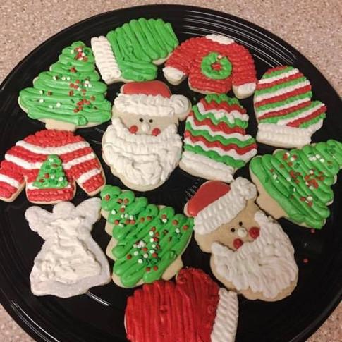 christmas cookie platters 2.jpg