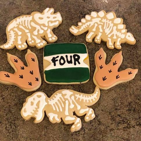 Jurassic park party cookies.jpg