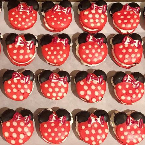 minnie mouse macarons.jpg