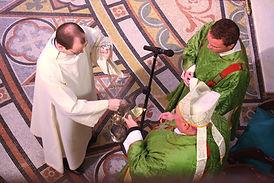 catholic-liturgy-656599_1920_edited.jpg