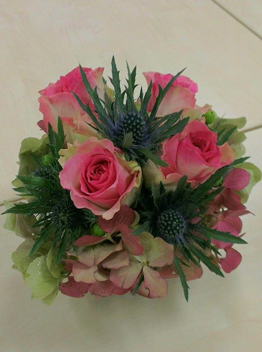 Rose & thistle centrepiece