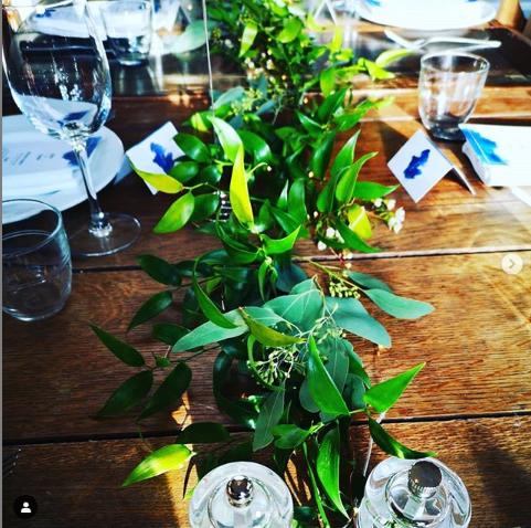 Foliage table garland