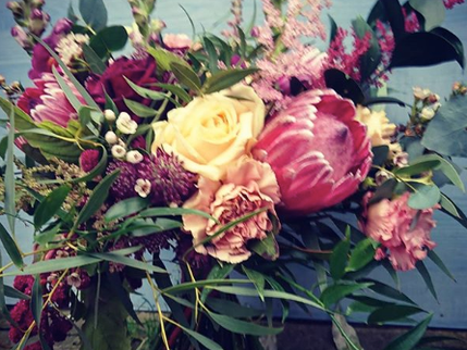 Autumn and winter wedding flowers