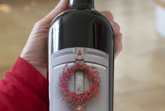 personalised wreath xmas red wine