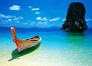 longtail-boat-on-beach-krabi-phuket-thai