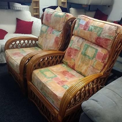 con chairs.jpg