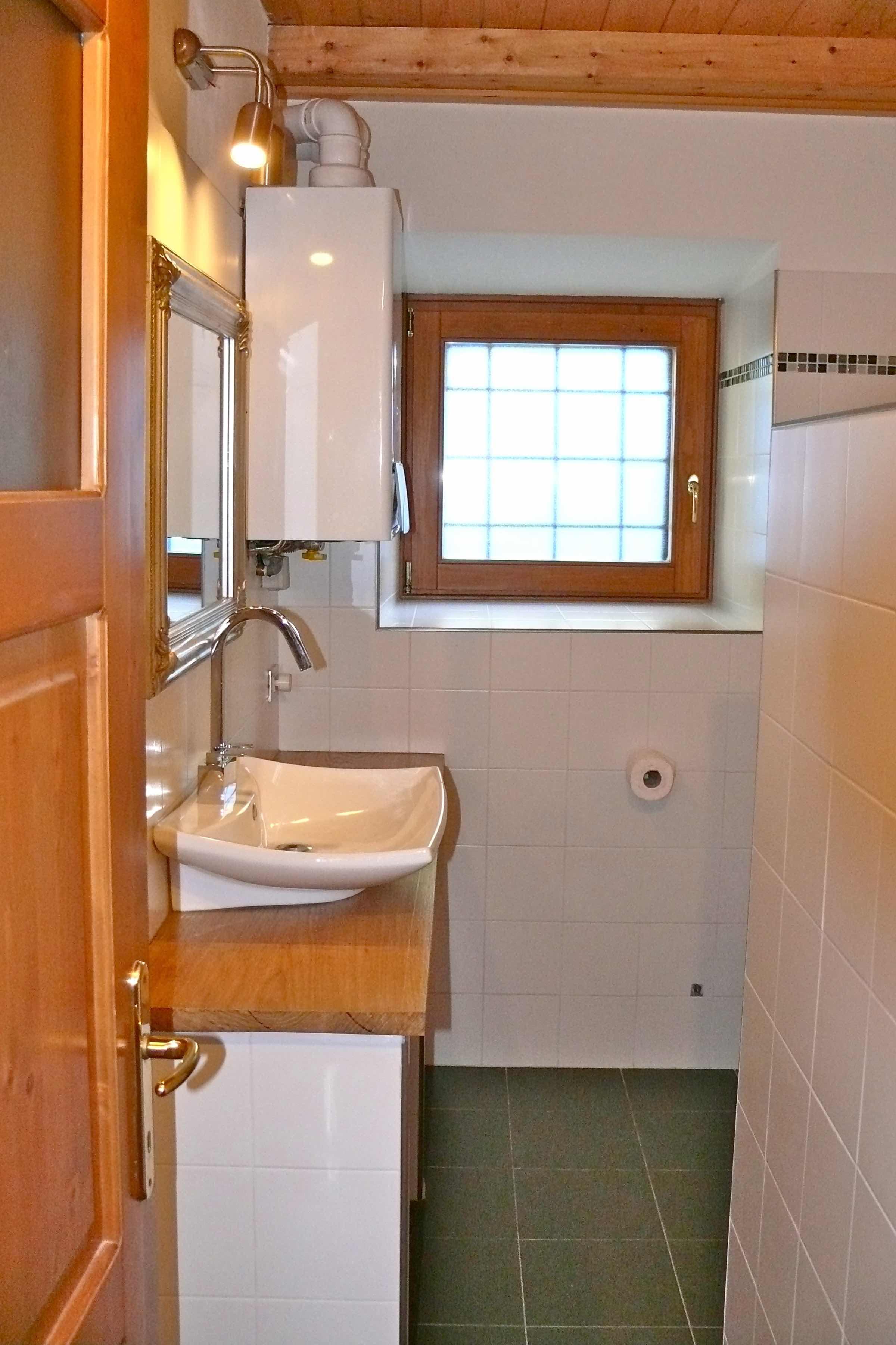 Wastafel en toilet