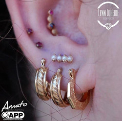 Picture perfect high lobe with this pear